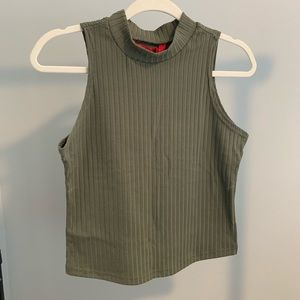 Tops - 🛍3for$25 Green Crop Tank